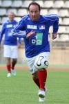 Francois-Hollande-joue-lors-d-un-match-de-football-au-profit-d-une-association-pour-la-recherche-contre-le-cancer-en-2008
