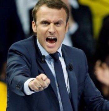 Politique friction – Douce France : l'histoire en marche ou quand Emmanuel Macron (sou)lève le poin(g)t Godwin(ner) (Vidéo)
