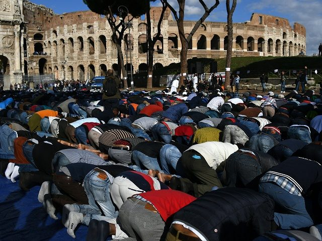 muslims-colosseum-640x480